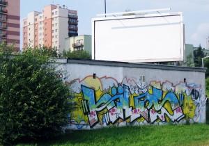 Ul. Witosa. Garaże, jeden z tagów. I pusty billboard, jak przystało na ten rok w reklamie zewnętrznej.