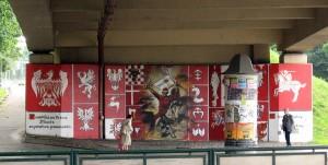"""Al. Powstańców Śląskich / ul. Wielicka (ściany estakady Obrońców Lwowa). """"Bitwa pod Grunwaldem"""", 2010, Konrad Kowal, Zooteka."""