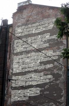 Róg ulic Straszewskiego i Piłsudskiego. Barcelona, 2012, Bartolomeo Koczenasz, ArtBoom. Zbliżenie. W wierszu jest mowa o Wojtku Bellonie, który podobnież bywał w domu u moich rodziców w Bieszczadach. Dawno.