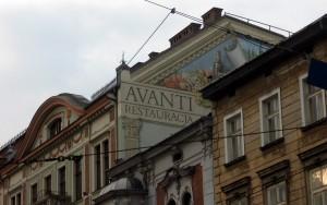 Ul. Karmelicka. To też mural, choć jednocześnie reklama restauracji. Nie sprawdziłem pod spodem, czy restauracja jeszcze istnieje :(