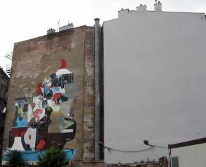 Ul. Karmelicka. (R)ewolucja: Jest spokojnie, 2011, Czajkowski ZBK Sławek, ArtBoom. Obok zawsze były murale reklamowe, podobnie jak na pl. Nowym. Już ich nie ma.