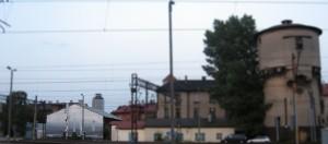 Ul. Bosacka, ale widziana od strony Pawiej. Exit, 2011, Kamil Kuzko. Po lewej u dołu widać go, choć niewyraźnie (już zmierzchało).
