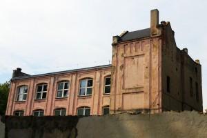 ul. Uniwersytecka, róg Kamińskiego, jakieś malownicze ruiny